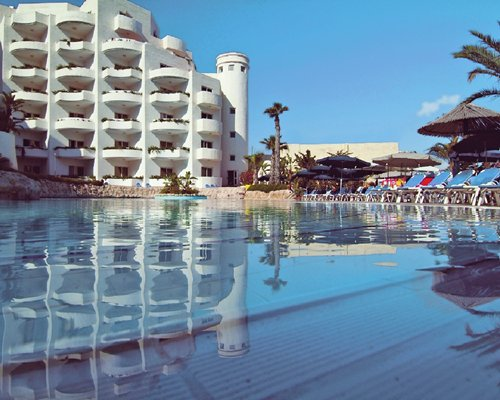 Selling timeshare at Costa San Antonio, Malta